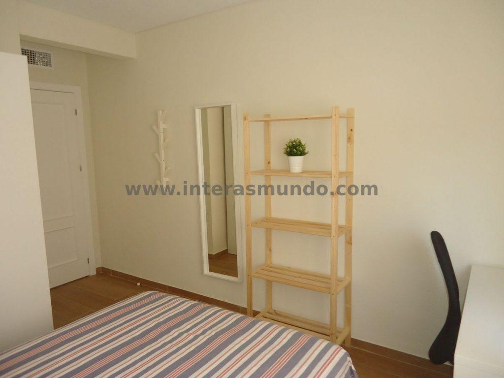 International accommodation for students in Ciudad Jardín, Córdoba, Camino de los Sastres street