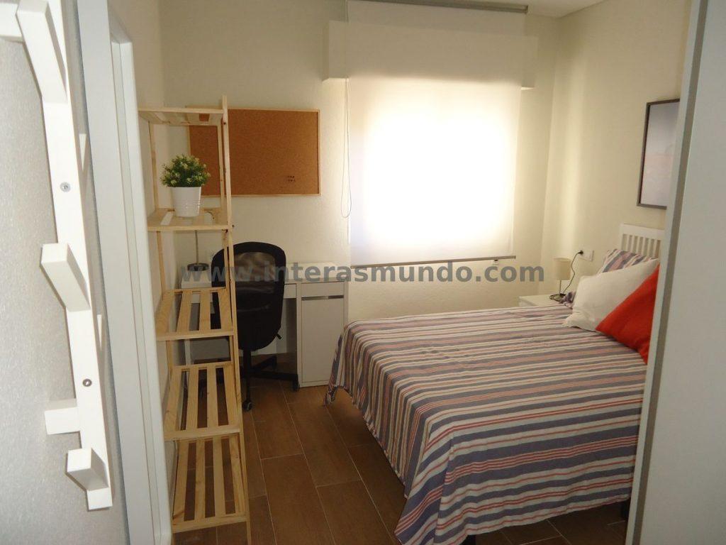 Room for Erasmus en Ciudad Jardín, in Camino de los Sastres street, Córdoba